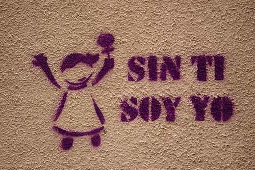 """Pintada en la que se lee """"sin ti soy yo""""."""